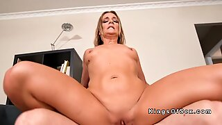 Big ass Milf gives face sitting to neighbor